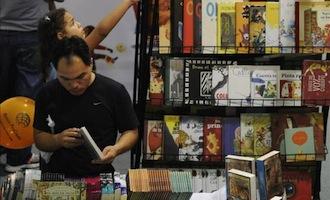 Trueques y maratones de lectura en el Día del Libro en América Latina