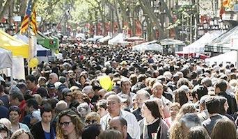 Los libreros facturan 21,8 millones en Sant Jordi, un 4 % más que en 2016
