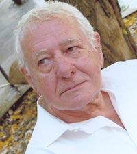 Fallece Francisco González Ledesma, pionero de la novela negra en España
