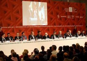 Enrique Vila-Matas recibe el Premio FIL de Literatura