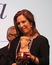 """Reyes Calderón, Premio Azorín de novela por """"Dispara a la luna"""""""